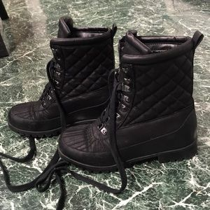 "STEVE MADDEN ""QUILTED LOOK"" BLACK COMBAT BOOTS"